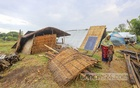 A family in the Hatighata area of Manikganj's Harirampur Upazila has found temporary shelter on an empty of piece land after its previous moved their homes away from the banks of the Padma as the erosion of the river's banks worsens. Photo: Asif Mahmud Ove