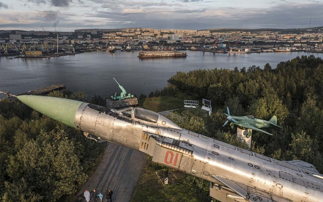 Soviet-era military hardware in a memorial park in Murmansk, Russia, Aug 25, 2021. Ahead of Russia's parliamentary election this weekend, President Vladimir Putin's rule has reached a new apogee of authoritarianism, coated in a patina of comfortable stability. Sergey Ponomarev/The New York Times