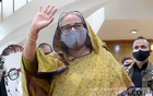 Prime Minister Sheikh Hasina waves to the cabinet members and diplomats at Hazrat Shahjalal International Airport as she leaves Dhaka to attend the UN General Assembly, Sept 17, 2021. Photo: PID