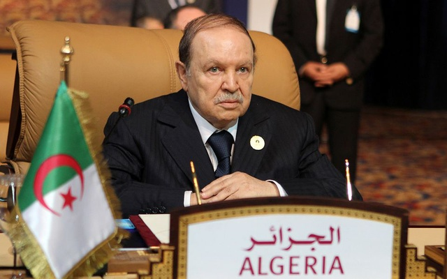 Algerian President Abdelaziz Bouteflika attends the opening session of the first Gas Exporting Countries Forum summit in Doha November 15, 2011. REUTERS/Mohammed Dabbous/File Photo