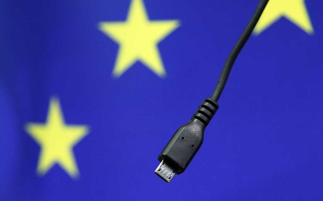 A view of a harmonised mobile phone charger is seen during a news conference at the European Commission headquarters in Brussels February 8, 2011. REUTERS/Francois Lenoir