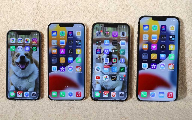 From left, the iPhone 13 Mini, the iPhone 13, the iPhone 13 Pro and the iPhone 13 Pro Max, Sept. 20, 2021. The problem with so much great innovation is that smartphone upgrades are now so iterative and incremental that it has become difficult to know what to write about them each year, Brian X Chen writes. (Jim Wilson/The New York Times)