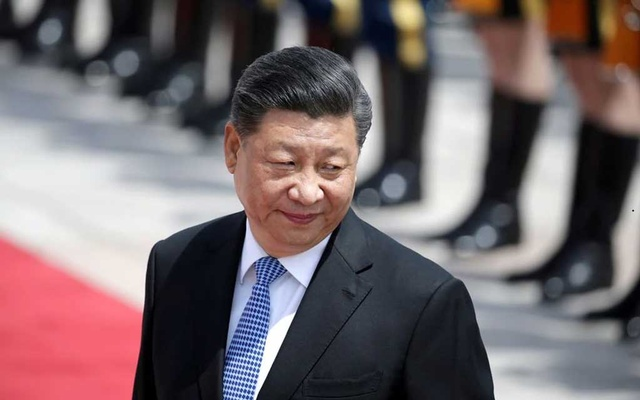 Chinese President Xi Jinping attends a welcoming ceremony for Greek President Prokopis Pavlopoulos outside the Great Hall of the People, in Beijing, China May 14, 2019. REUTERS