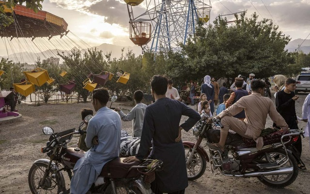 An amusement park at Qargha reservior outside Kabul, Afghanistan, Sept 3, 2021. Members of the Uyghur ethnic group, seen by China as potential extremists, are afraid they will be sent there as part of a deal for economic aid with the Taliban. (Victor J Blue/The New York Times)