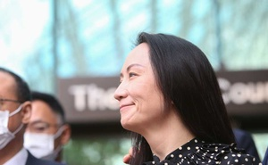 Huawei Technologies Chief Financial Officer Meng Wanzhou speaks to media outside the B.C. Supreme Court following a hearing about her release in Vancouver, British Columbia, Canada September 24, 2021. Reuters