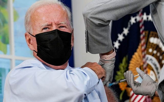 US President Joe Biden receives his coronavirus disease (COVID-19) booster vaccination in the Eisenhower Executive Office Building's South Court Auditorium at the White House in Washington, US, September 27, 2021. Reuters