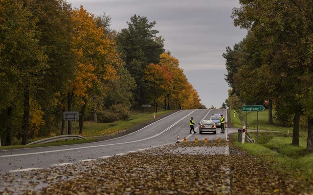 A police checkpoint in the exclusion area near Poland's border with Belarus on Oct 2, 2021. The New York Times