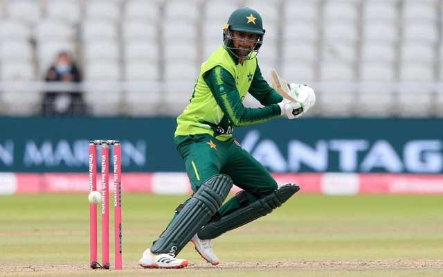 Cricket - Second T20 International - England v Pakistan - Emirates Old Trafford, Manchester, Britain - August 30, 2020 Pakistan's Shoaib Malik in action Lindsey Parnaby/Pool via REUTERS