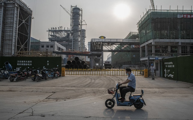 A gas power plant under construction outside Dongguan, China, Sept 28, 2021. The International Energy Agency says that by 2035, wealthy countries will have to shut down virtually all fossil-fuel power plants in favour of cleaner technologies in order to prevent the planet from dangerously overheating. Gilles Sabrie/The New York Times