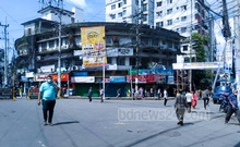 Roads are largely clear of traffic in Chattogram's Andarkilla on Saturday, October 16, 2021 after the Hindu, Buddhist and Christian Unity Council called a general strike to protest attacks on puja venues. Photo: Mitoon Chowdhury